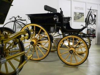 Teilansicht / Museumsteil Traktoren, Kutschen
